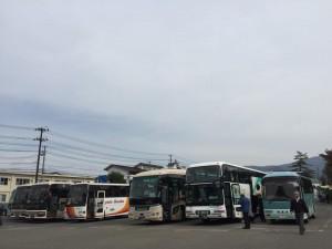 鶴ヶ城会館の観光バス混雑